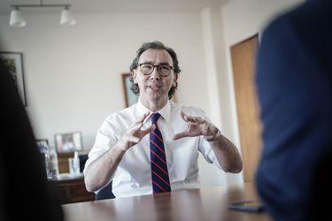 Jorge Gálvez, el abogado y amigo de Raúl Figueroa que asumirá su defensa en la acusación constitucional
