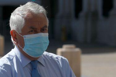 """Ministro Paris confirma que se aplicará """"dosis de refuerzo"""" en la vacunación contra el Covid-19"""