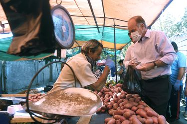 """Ministro Walker por alimentos: """"No vemos razones para un aumento significativo de precios en los productos agrícolas en Chile"""""""
