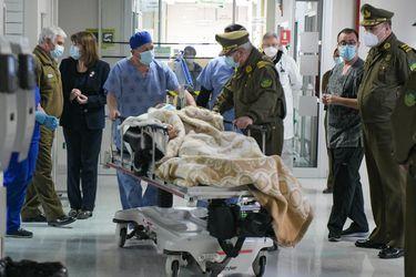Trasladan desde Temuco hasta Santiago a carabinero lesionado en Carahue para ser operado