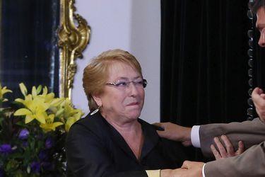 Bachelet acepta la renuncia del ministro de Transportes.