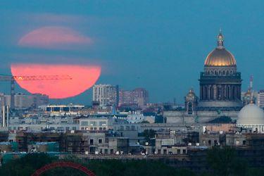 Luna de fresa: Cómo y cuándo ver la última Superluna del año