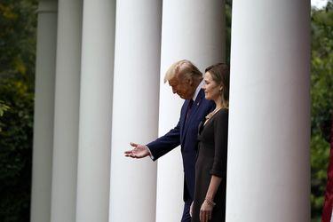 Católica devota, antiaborto y de 48 años: la carta conservadora de Trump para la Corte Suprema