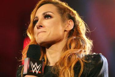 Becky Lynch entregó su título de la WWE ya que está embarazada
