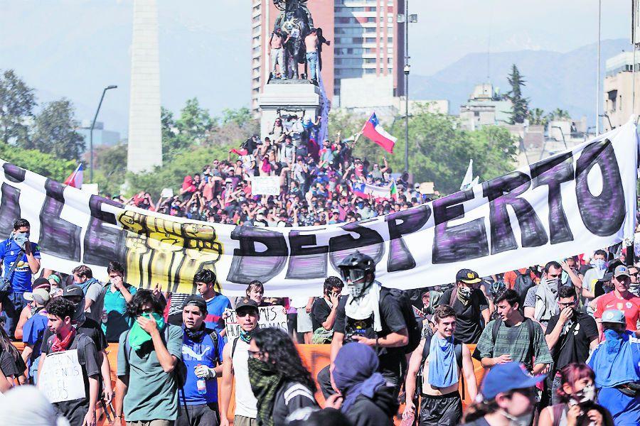 Decretan nuevo toque de queda en varias ciudades de Chile por las protestas (47133638)