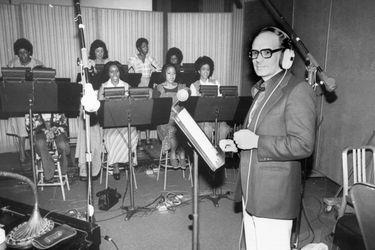 Cómo Ennio Morricone llegó a escribir música para películas