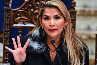 Justicia de Bolivia ordena otros seis meses de prisión preventiva para expresidenta Jeanine Áñez