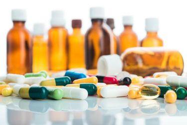 """Evidencia científica: Nueva actualización de fármacos dice que no existen tratamientos """"altamente efectivos"""" contra Covid-19, declara tres """"listos para su uso"""", cuatro """"prometedores"""" y 16 en categoría """"neutro"""""""