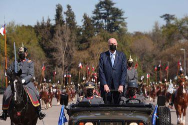 """Prokurica encabeza Revista Preparatoria de la Parada Militar en el Parque O'Higgins: """"Recuperar las tradiciones es un tema que nos llena de gusto"""""""