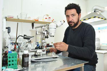 """Pablo Moya, del Centro Interdisciplinario de Neurociencia de U. de Valparaíso: """"La pandemia ha aumentado síntomas obsesivo-compulsivos que estaban ocultos"""""""