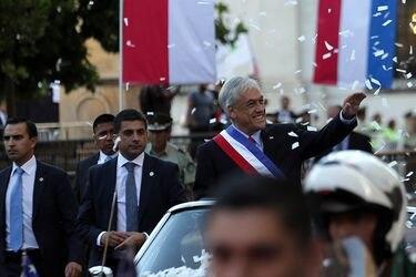 Presidente Sebastián Piñera llega hasta el Palacio de la Moneda