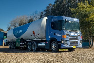 Enap completa programa piloto con camión a gas natural