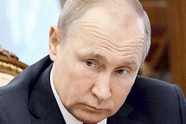 Russian-President-Vladimir-Putin-meets-(44539353)