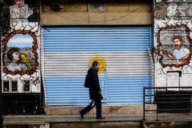 Argentina extiende cuarentena tras un salto de casos de coronavirus en agosto