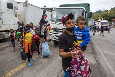 Estados Unidos, México y Guatemala cierran la puerta a caravanas migrantes por la pandemia
