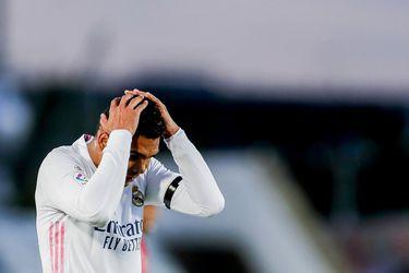 Casemiro se lamenta durante el emáte del Real Madrid ante el Sevilla.