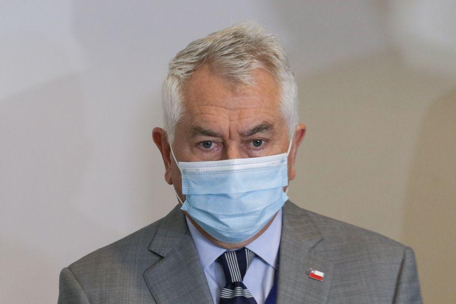Enrique Paris, ministro de Salud