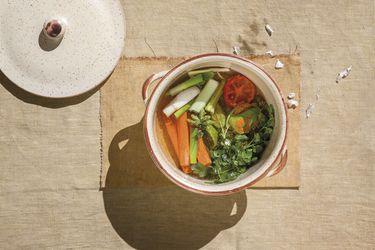 Caldo vegetal de jengibre