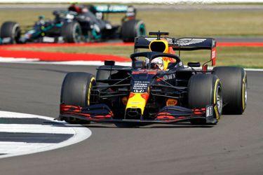 Verstappen aprovecha la segunda oportunidad y gana en Silverstone