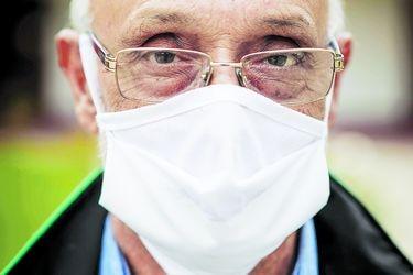 """Johnny Carrasco Cerda, alcalde de Pudahuel: """"El virus se está desplazando velozmente hacia nuestra comuna"""""""