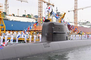 Corea del Sur dispara su primer misil balístico desde un submarino